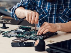 ارائه خدمات نرم افزاری و سخت افزاری در 20استوک